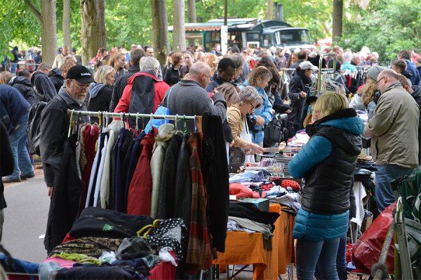 Flohmarkt auf der Promenade (Foto: MCC Halle Münsterland)