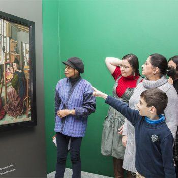 Interkulturelle Führung in der Sammlung des LWL-Museums Foto: LWL/Hanna Neander