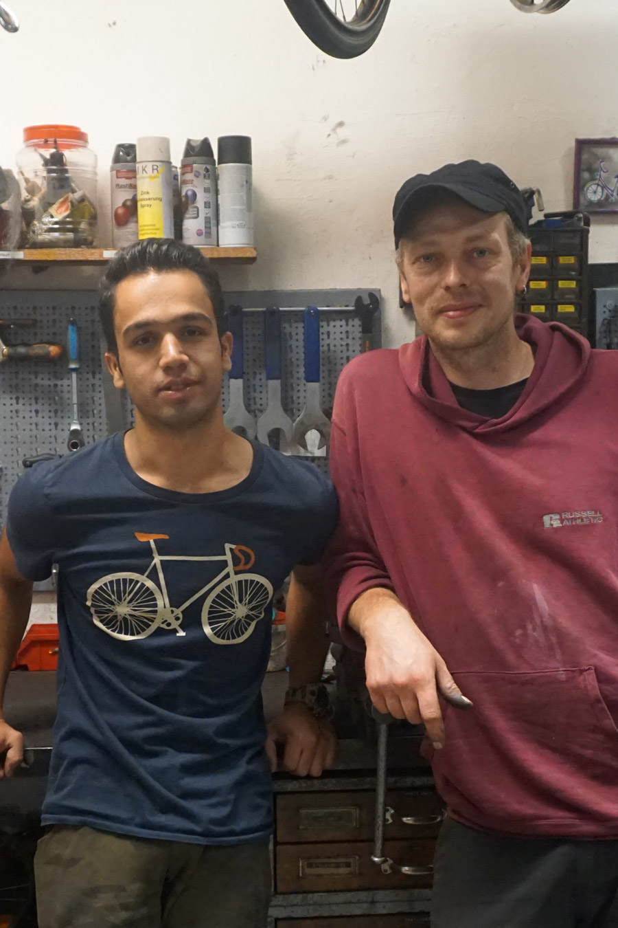 Mohammed und sein Kollege Sebastian in der Lila-Leeze-Werkstatt